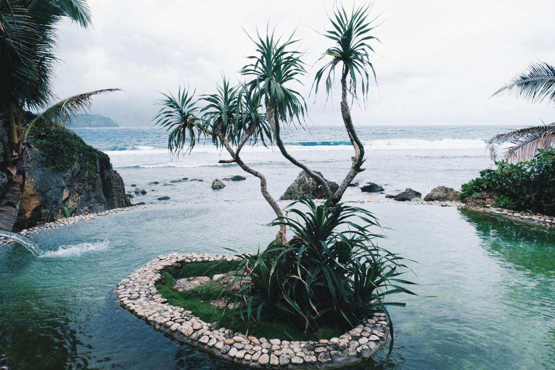 batanes-beach-exotic-732499.jpg