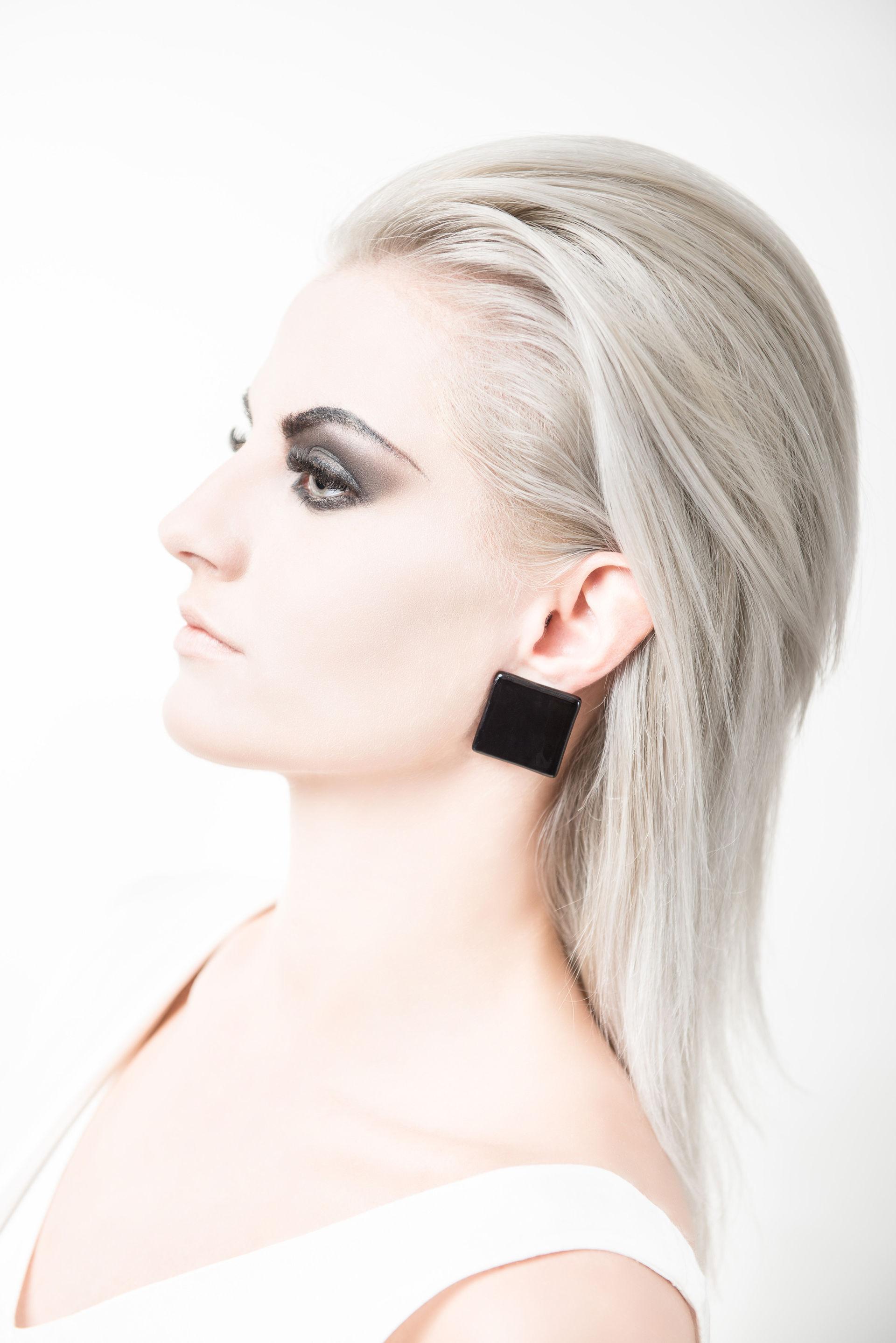 DIVIT / Cube Earrings