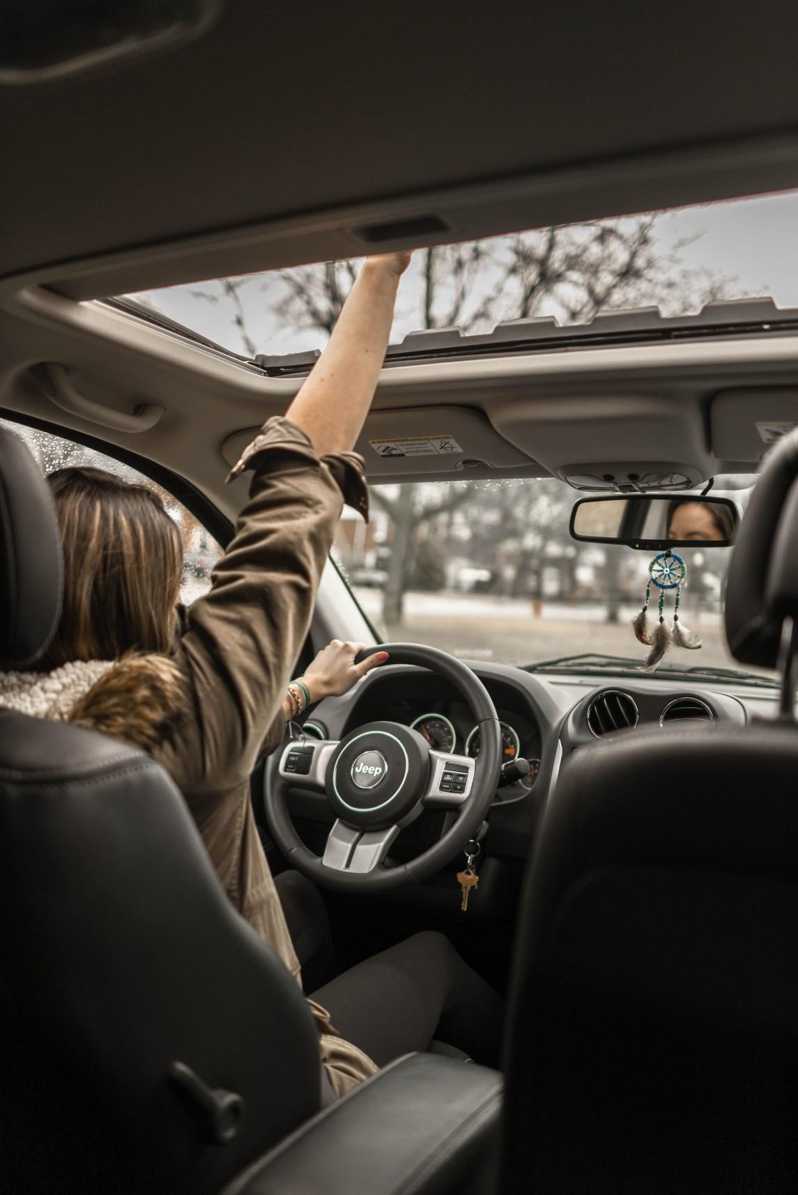adult-adventure-automotive-1051071.jpg