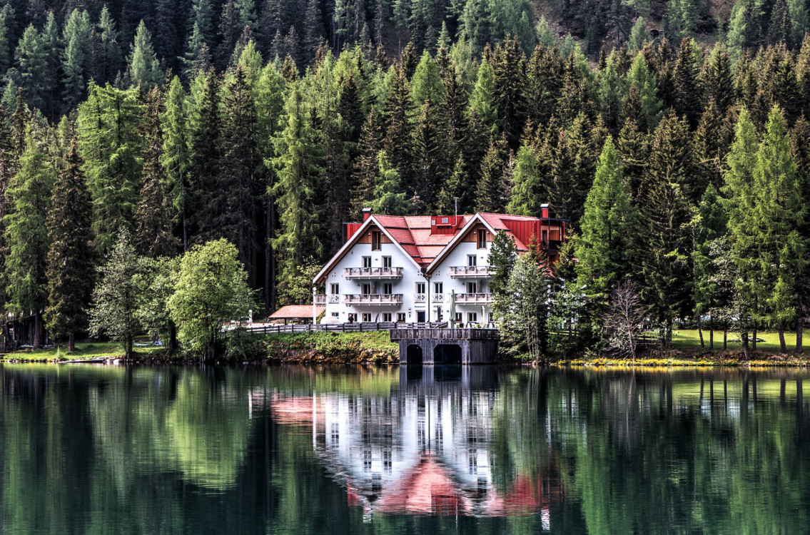 beautiful-building-chalet-449461.jpg