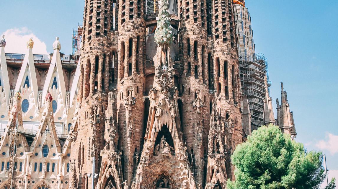 architecture-barcelona-blue-sky-819764-2.jpg