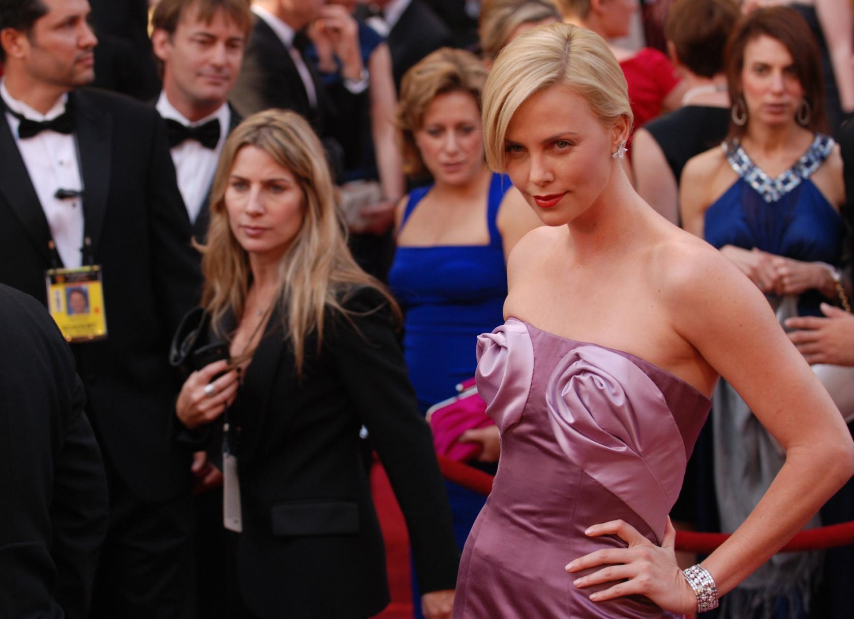 actress-adult-attractive-276046.jpg
