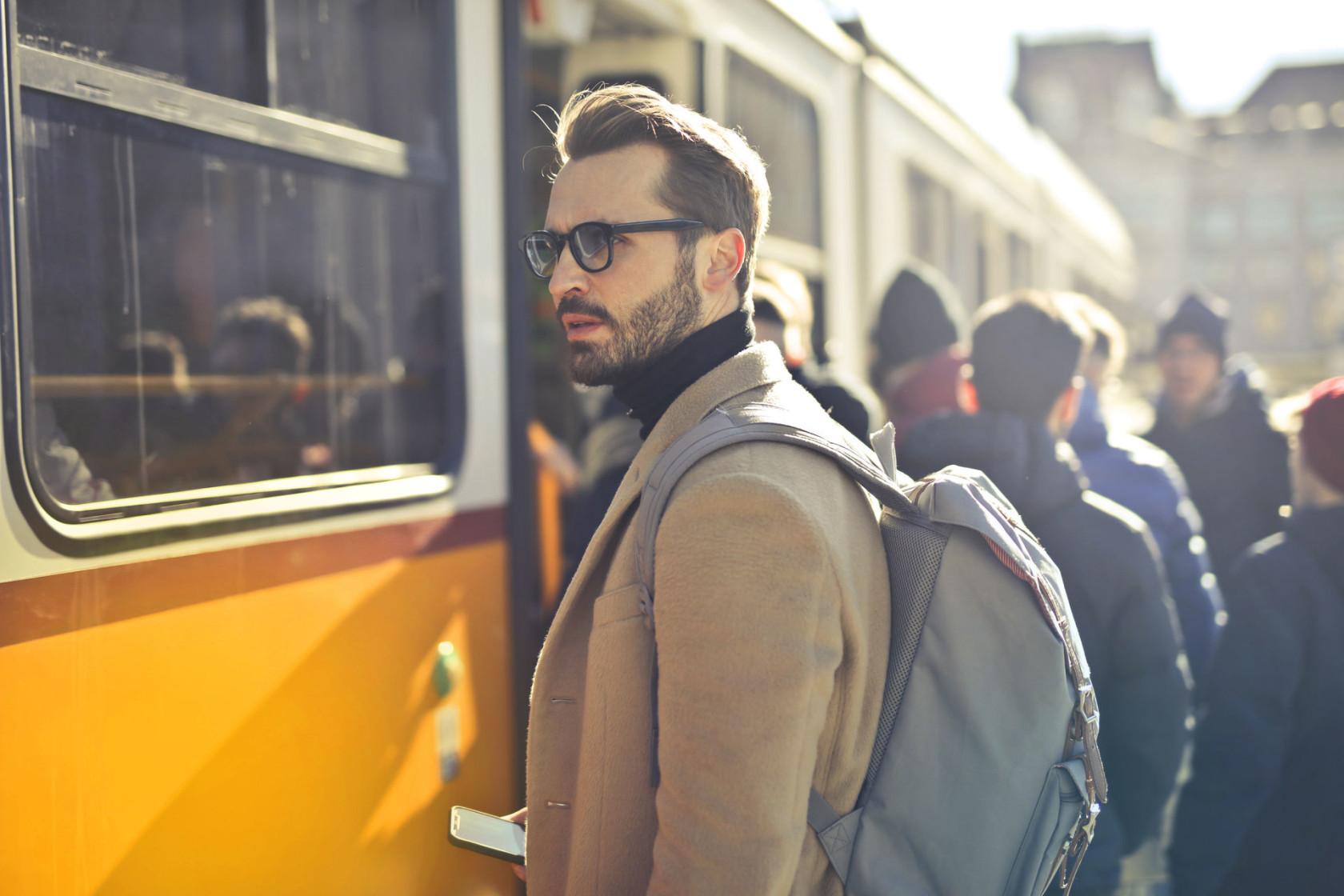 backpack-beard-city-837358.jpg